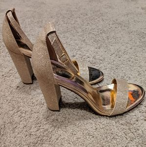 Rose gold heels new without tags